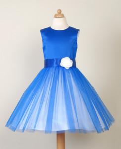 8e350c56a1 Sukienka dla dziewczynki na wesele Modna Peggy